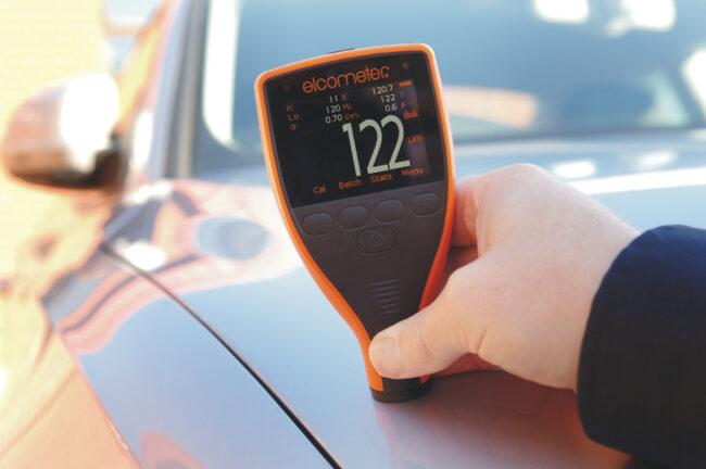 прибор для измерения толщины лакокрасочного покрытия автомобиля