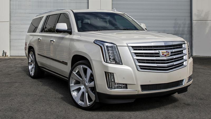 Белый Cadillac Escalade
