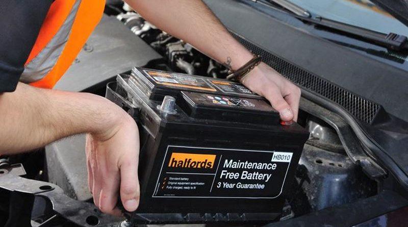меняем аккумулятор в машине