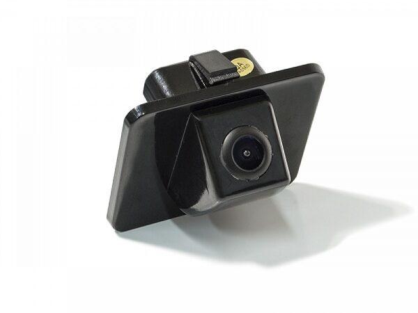 Надежная камера заднего вида i40