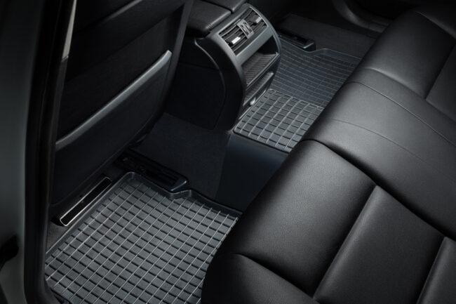 резиновые коврики для салона автомобиля